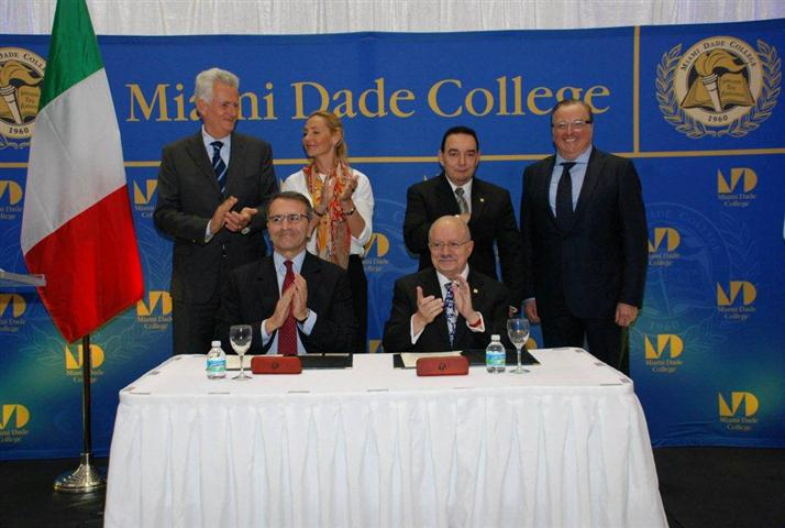 pictured left to right standing: Consul General of Italy Adolfo Barattolo, Tiina Eriksson (Gambero Rosso-VP International), Dr. Jose Vicente (MDC Wolfson Campus President) and Art Furia; seated:  Paolo Cuccia (CEO-Gambero Rosso) and Dr. Eduardo Padron (President of MDC)